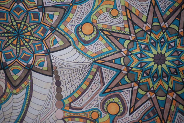medium-kaleidoscope-drawing-close-up